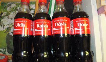 Debranding e Imagen de marca con nombres en Coca-Cola