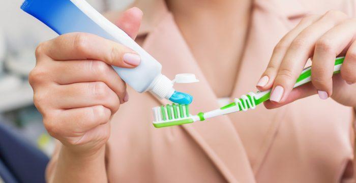El color del envase de la pasta de dientes: branding emocional